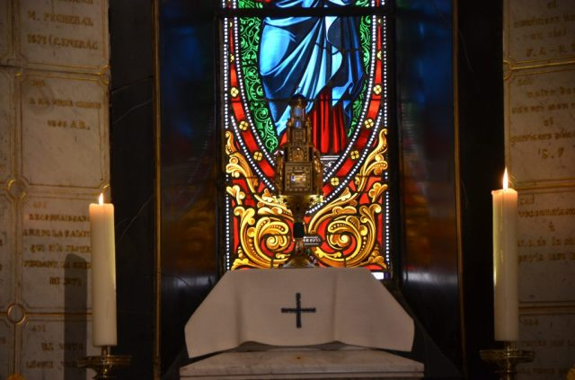 Le reliquaire de la Vierge aux larmes de Syracuse.