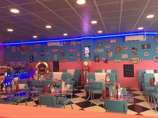 V8 American Diner