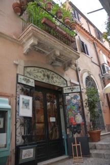 Taormina, celui aux pots en terre