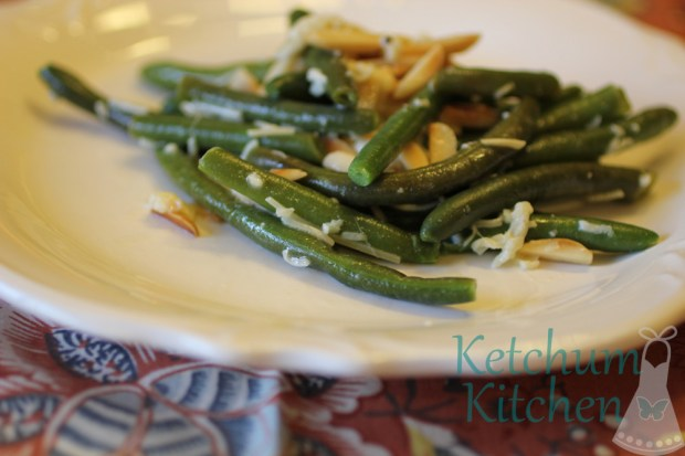 Green Beans w/ Fresh Lemon Juice, Fresh Garlic, Toasted Almonds and 3 Cheese Blend