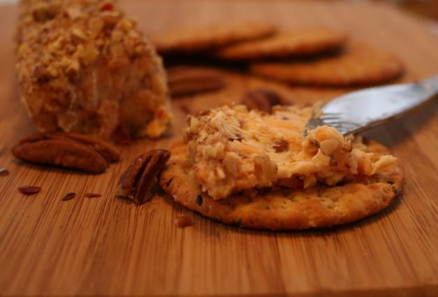 Cheddar Chutney Cheese Roll