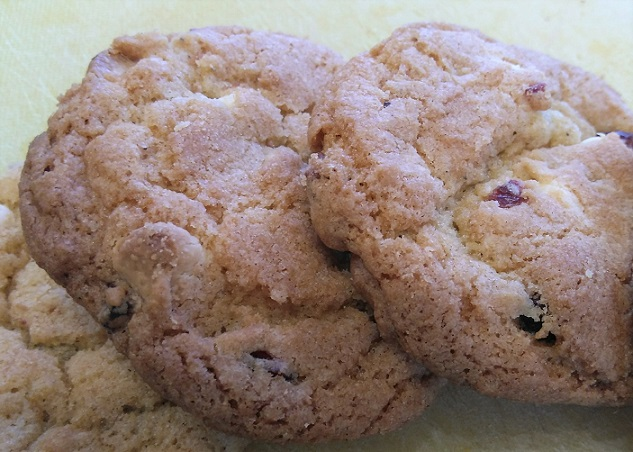 Cranberry White Chocolate Chip Cookiesq