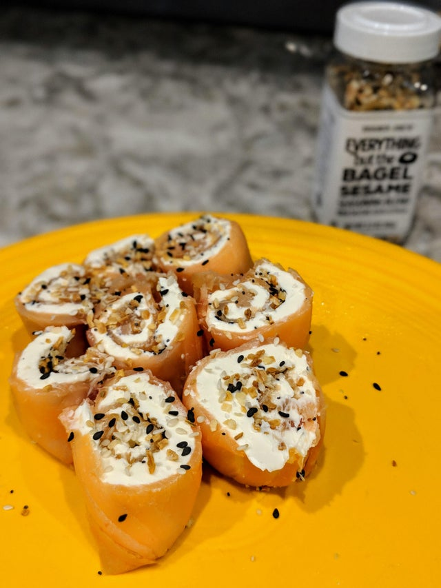 Everything but the bagel salmon roll