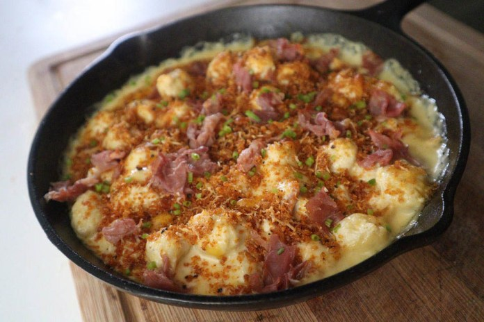 Prosciutto and Brie Mac and Cheese