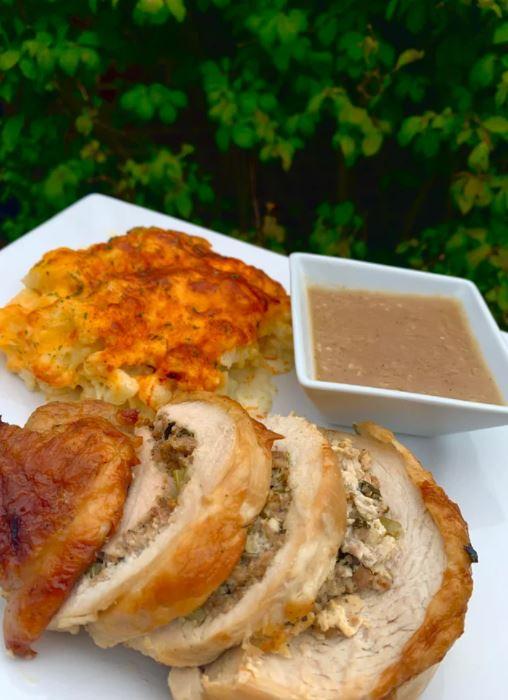 Stuffed Turkey Breast Pinwheel with Cauliflower 'Mac and Cheese' and Gravy