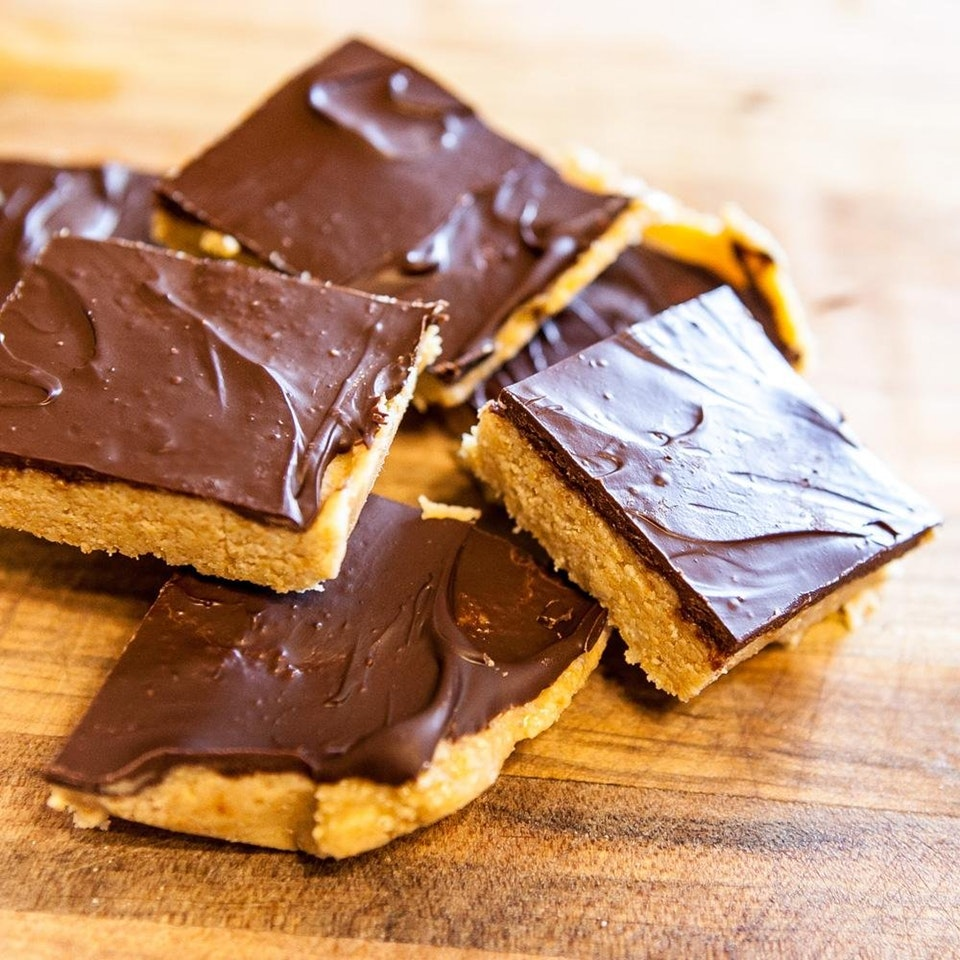 keto peanut butter squares