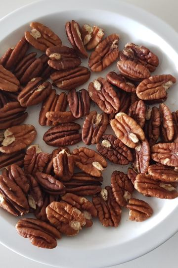 Plate of pecans