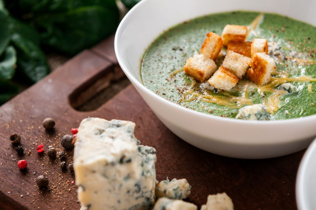 Cream of Brocolli Soup- KetoBabble.com
