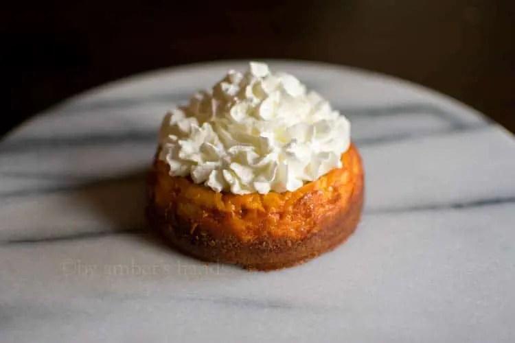 Low Carb Mini Pumpkin Cheesecake -keto cake walk-