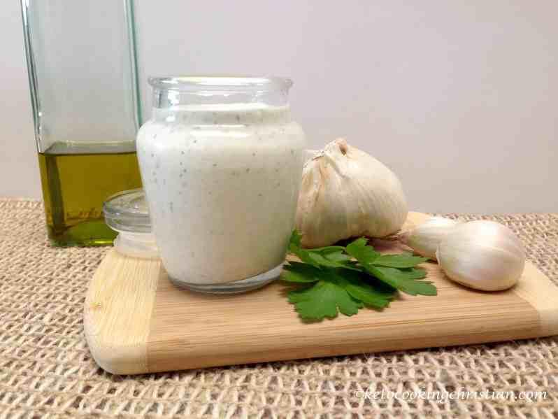 creamy garlic Italian dressing keto and low carb