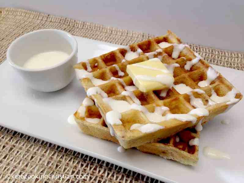 keto low carb waffles cinnamon buns