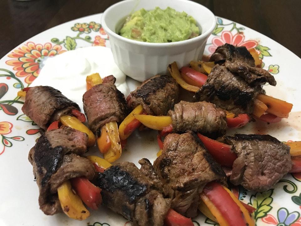 Steak-Fajita Roll-ups w/Guacamole & Sour Cream