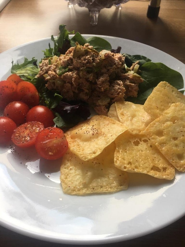 one ingredient crackers (with tuna salad)