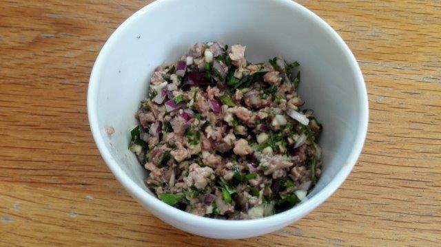 Kabeljauwlever-spread met ansjovis en ei