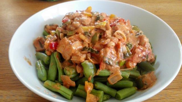 Snijbonen met romige kip- en groentensaus