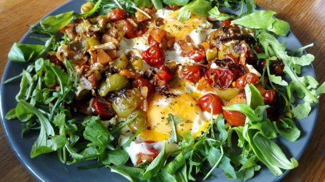 Spiegelei met zoete aardappel en tomatillo