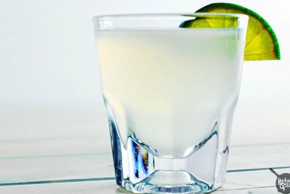 Kamikaze Shot: Low Carb & Sugar Free [Recipe]   Ketogasm.com #keto #low #carb #skinny #cocktail #healthy #sugar #free #atkins keto recipes
