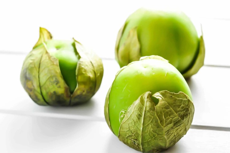 Tomatillo Chili [Pressure Cooker Recipe] | KETOGASM.com #keto #recipes #low-carb #chili #tomatillo #lchf #meal #prep #pressure #cooker #instantpot