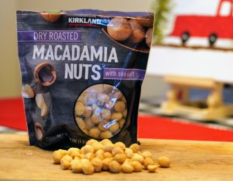 keto-friendly-macadamia-nuts