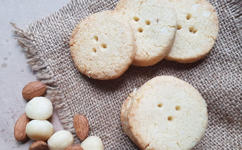 Low Carb Vanilla Macadamia Cookies