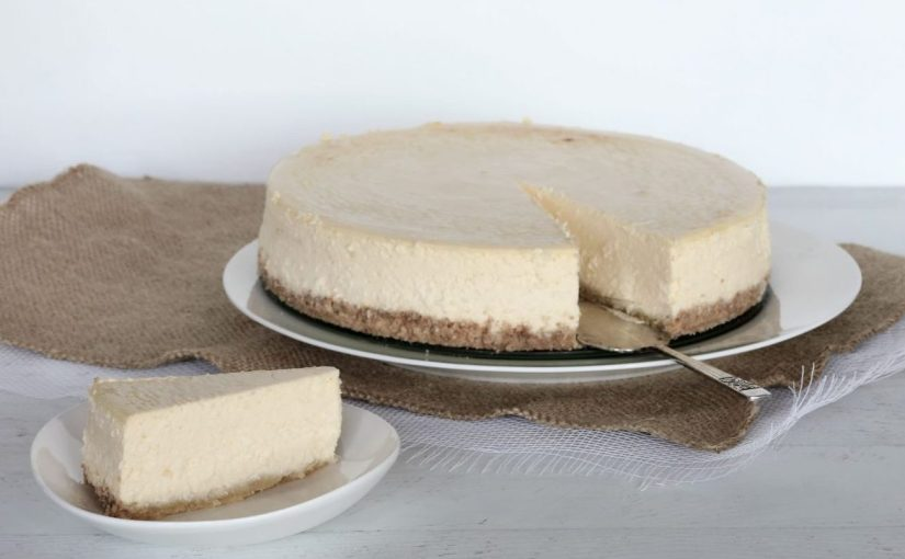 Low Carb Creamy Baked Cheesecake