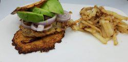 Hamburger met bloemkoolbroodje
