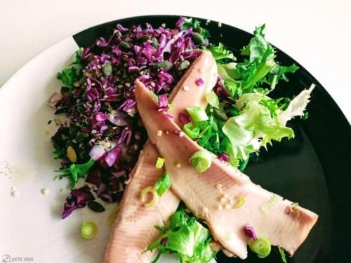 Gerookte forel met krokante salade