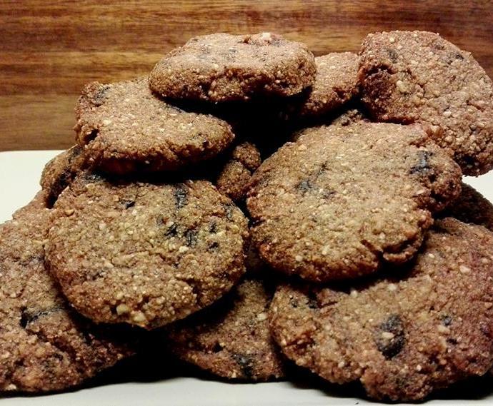 Τραγανά choc-chip μπισκότα με φουντούκι!