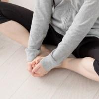 寝ながら骨盤を締めるストレッチ/産後、下腹、骨盤ダイエット方法