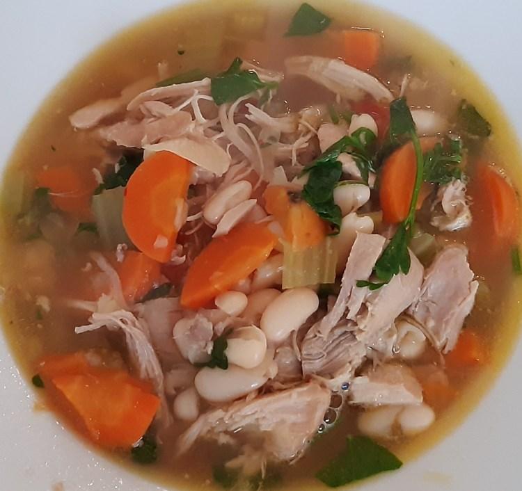 Zuppa di Pollo con Fagioli Cannellini
