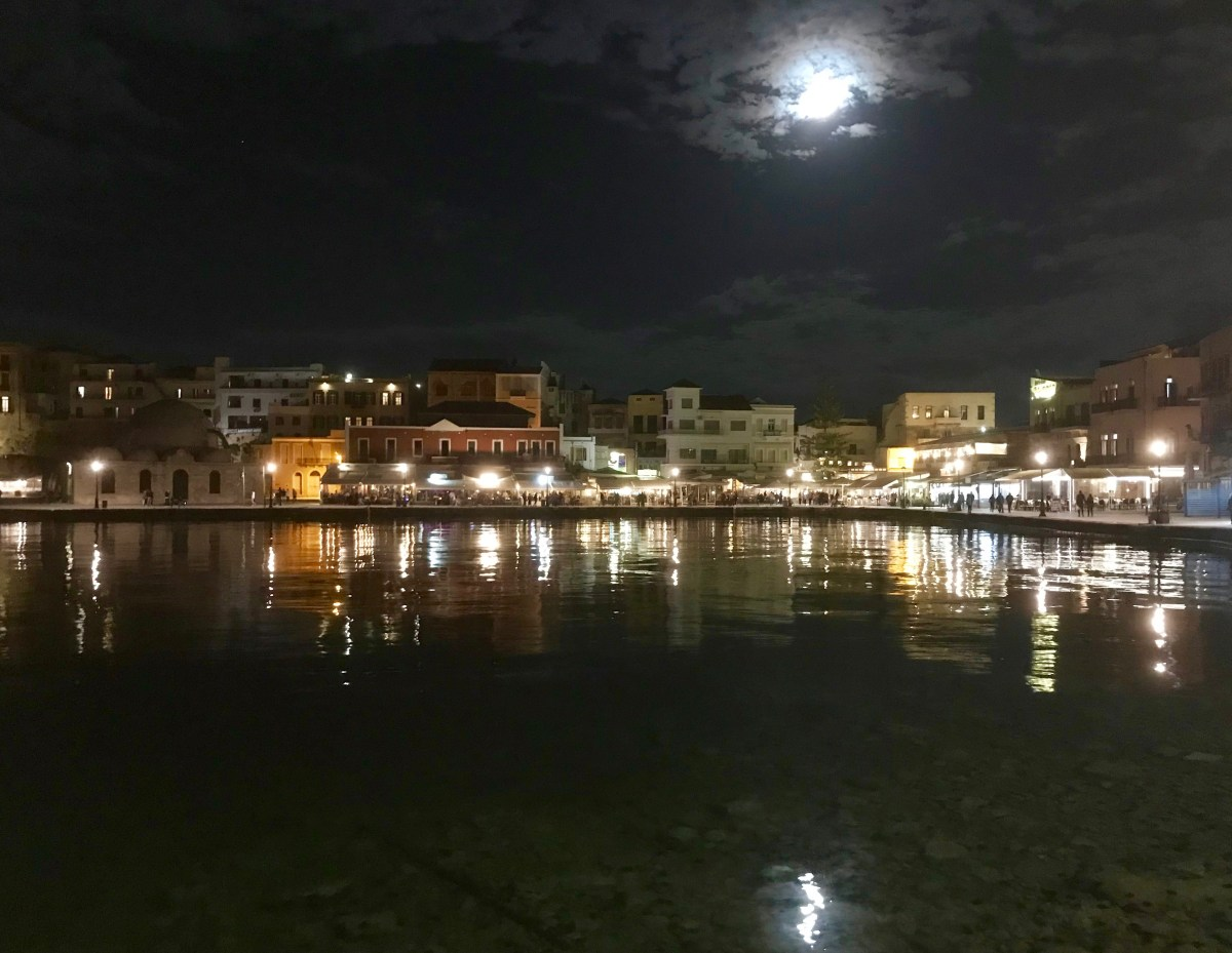 Evening stroll, Old Town, Chania, Crete