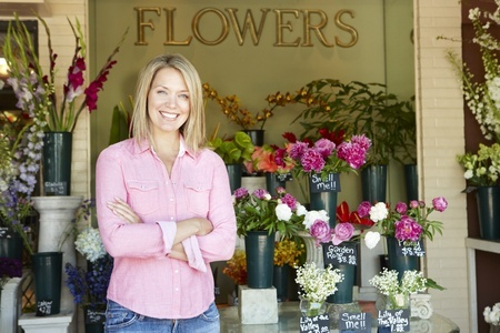 flower-shop-female-business-owner