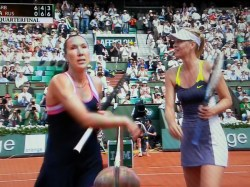 Jelena's tepid handshake with Maria
