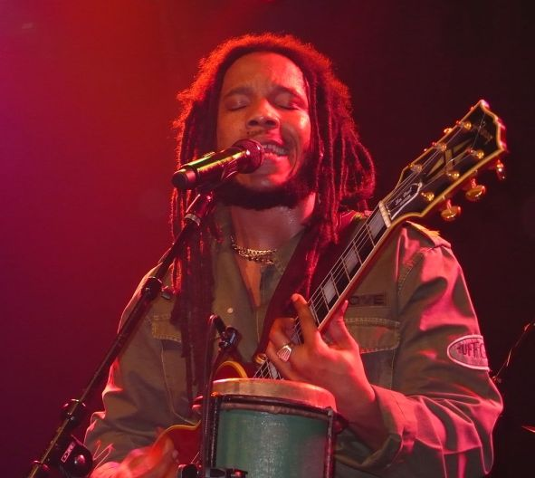 Wikipedia - 1024px-Stephen_Marley_(Vancouver_2007)