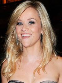 Reese Witherspoon gets engaged - CelebsNow