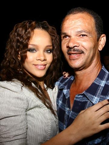 Rihannas Dad Ronald Fenty Im Still Chris Browns No 1