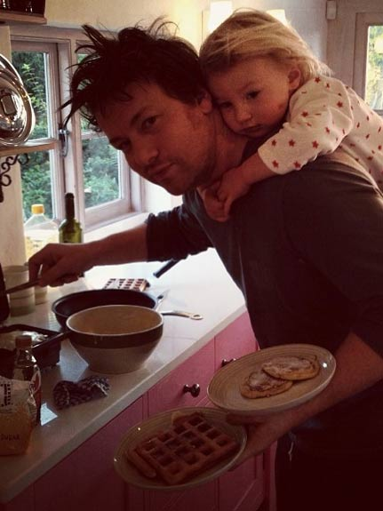 farm house kitchen table decorate drool! 7 pictures inside jamie oliver and jools' fairytale ...