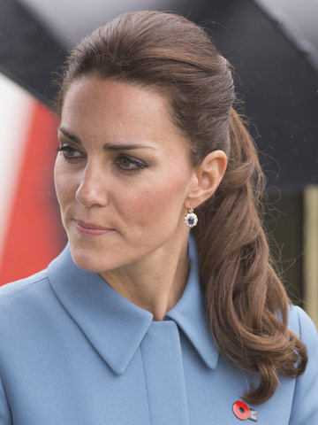 Kate Middleton is chic with curly ponytail on rainy Royal