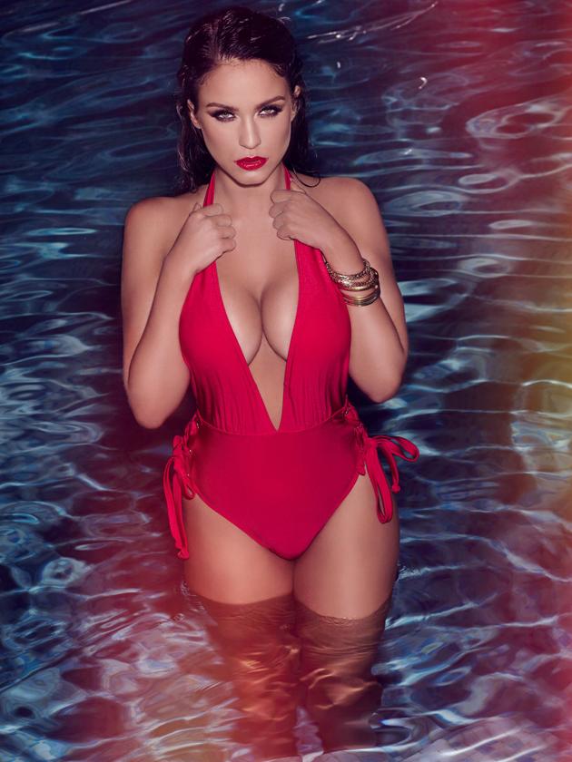 Fall Romance Wallpaper Vicky Pattison S Hottest Bikini Shoot Ever