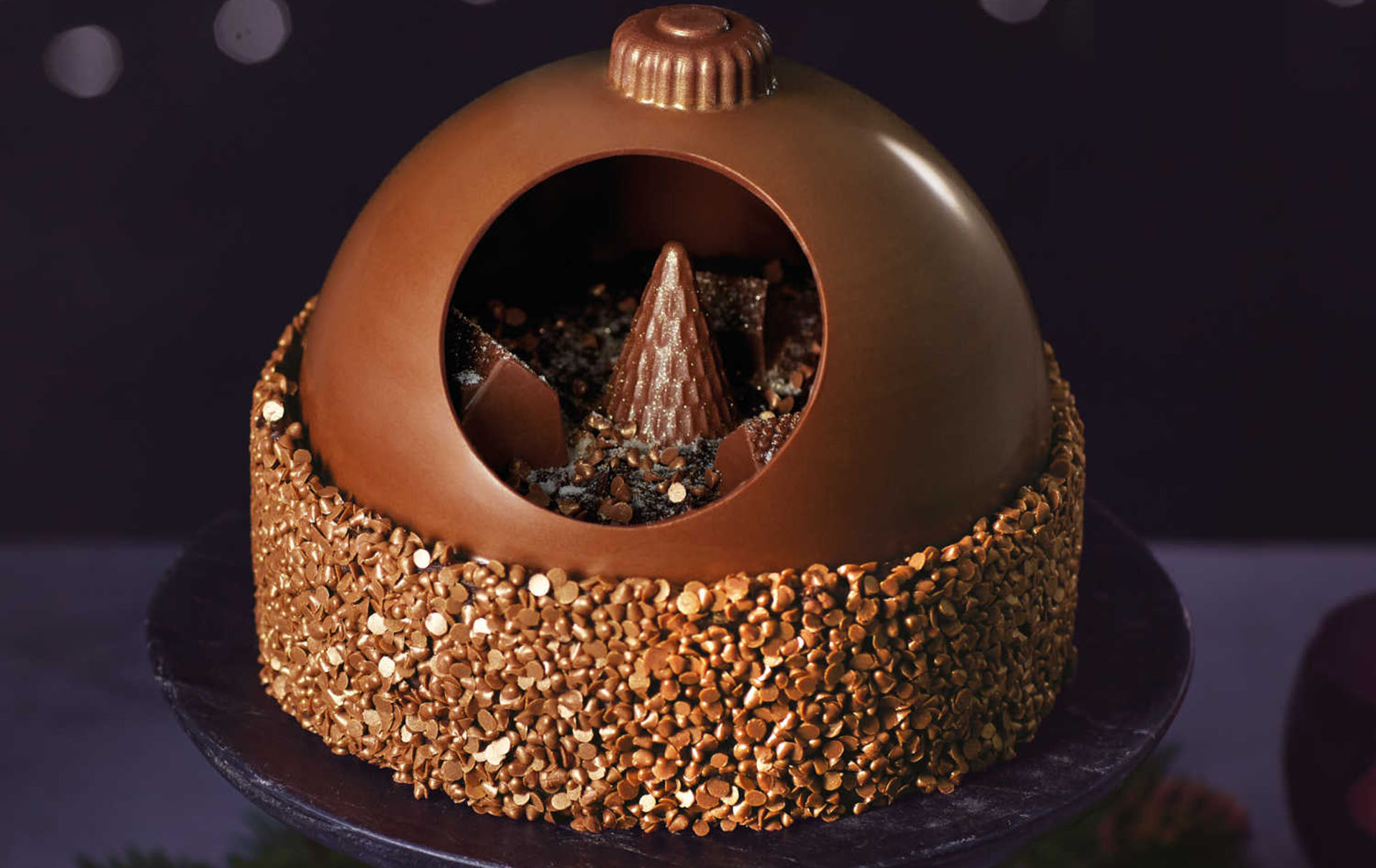 Aldi Is Selling A Chocolate Bauble Cake Just In Time For