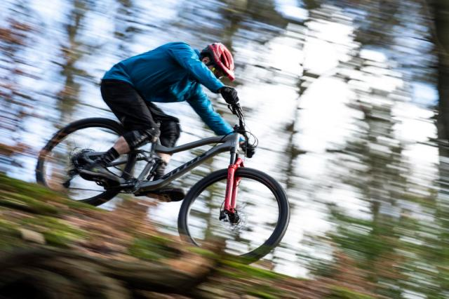 The best mountain bikes under £2000: hardtail and full ...