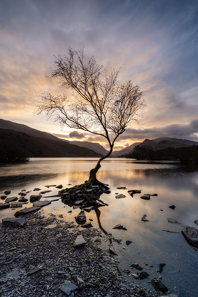 Perfect location sunrise Llyn Padarn