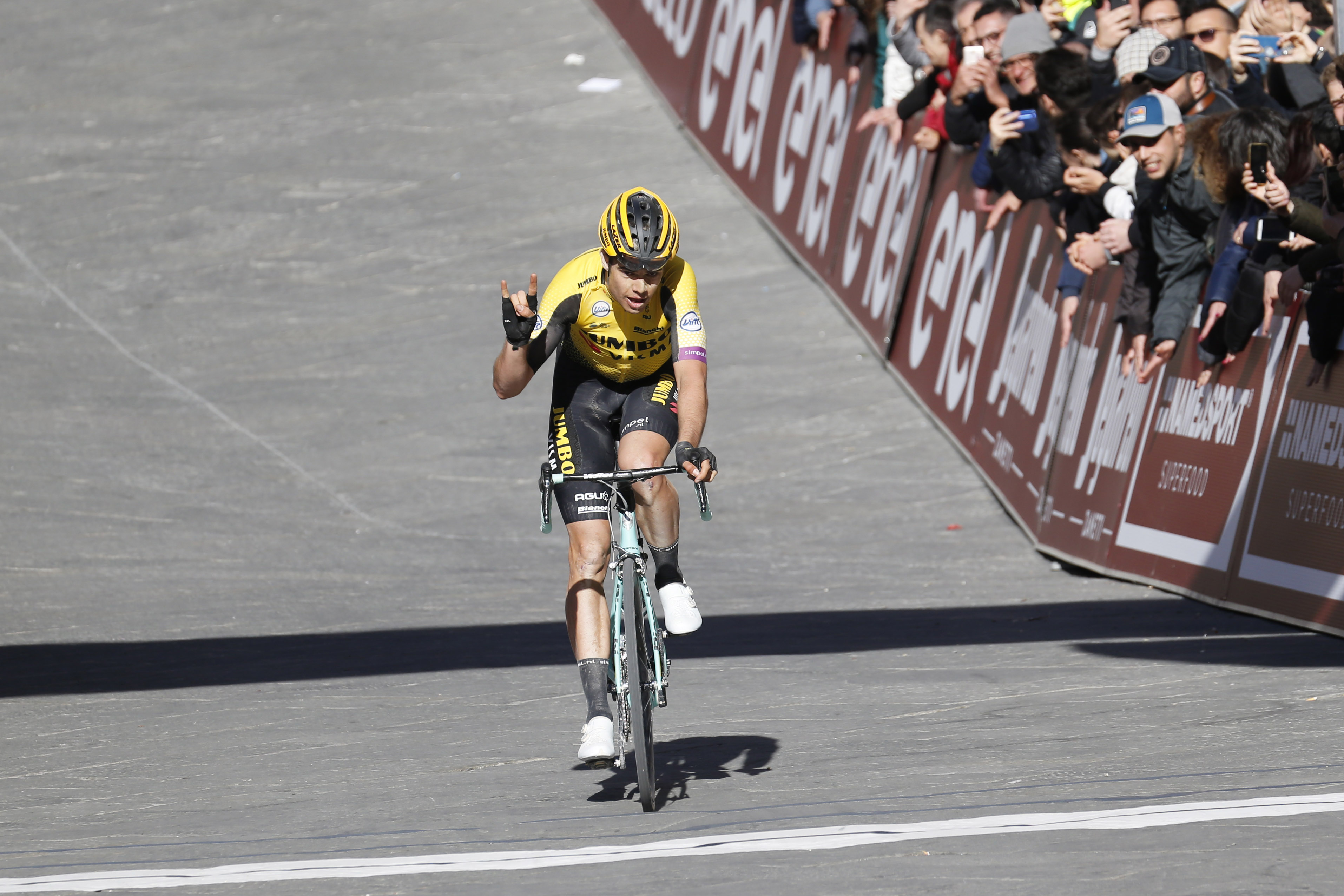 https www cyclingweekly com news racing mathieu van der poel wout van aert or julian alaphilippe who is the bookies favourite for the mens strade bianche 2020 460811
