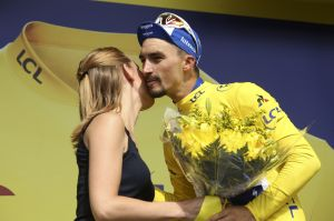 Tour de France organiser brings 'podium girls' tradition to an end