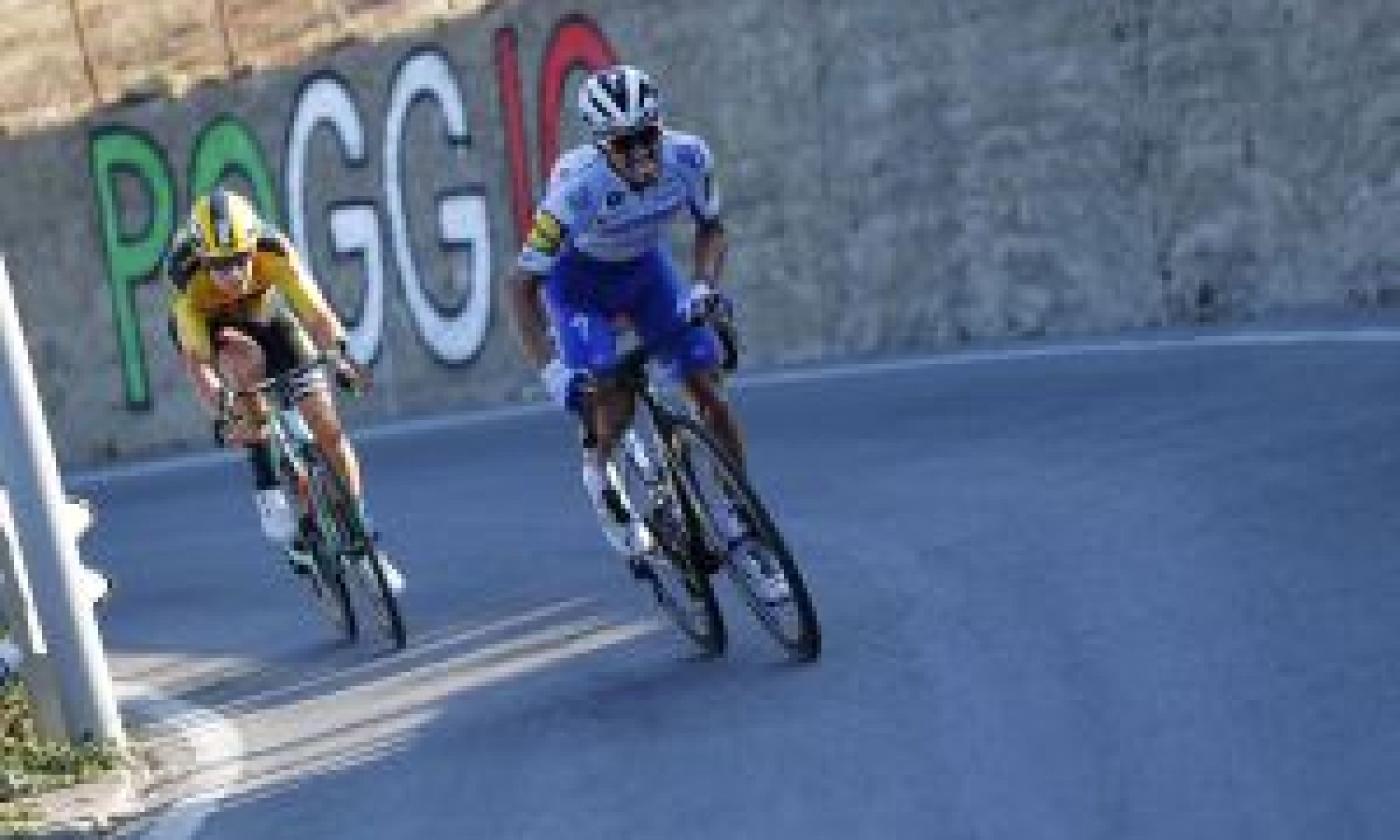 <div>Julian Alaphilippe says Wout van Aert 'deserved the victory' at Milan - San Remo 2020</div>