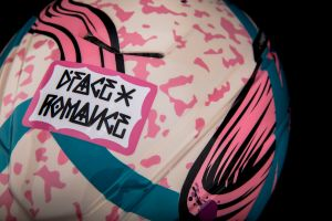 Specialized X Romance collaborates with artist D*Face to create custom Evade II helmets