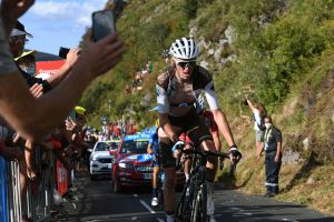 <div>Tour de France doctor says she did not endanger Romain Bardet's health by letting him ride on</div>