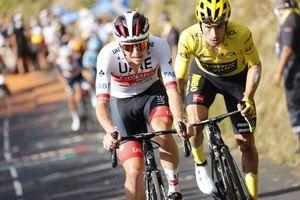 <div>'In those last 2km we weren't friends': Tadej Pogačar and Primož Roglič go head-to-head at Tour de France</div>