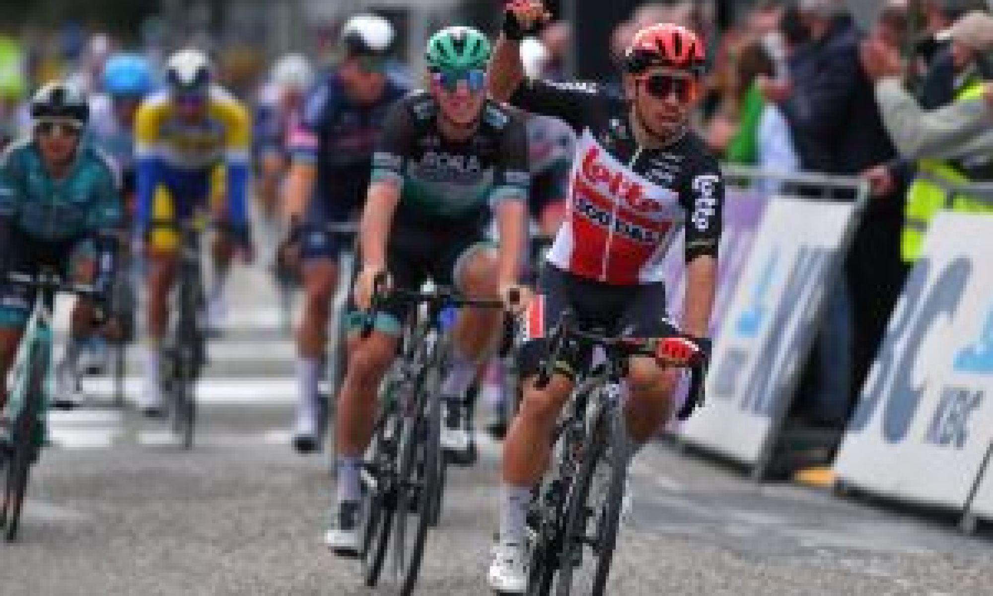 Caleb Ewan powers to sprint victory in Scheldeprijs 2020
