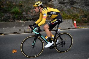 <div>Vuelta a España 2020: Tom Dumoulin just 'hoping to make it through the race' after slipping back on stage one</div>